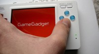 In der Tat ist der GameGadget von Blaze, der zum Release im März 2012 99,99 Pfund (~ 114 Euro) kostete, damals total gefloppt. Auf Amazon.co.uk kann man noch heute die […]